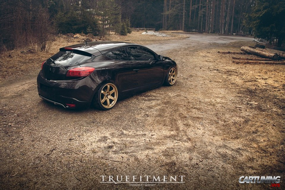 stanced renault megane coupe. Black Bedroom Furniture Sets. Home Design Ideas