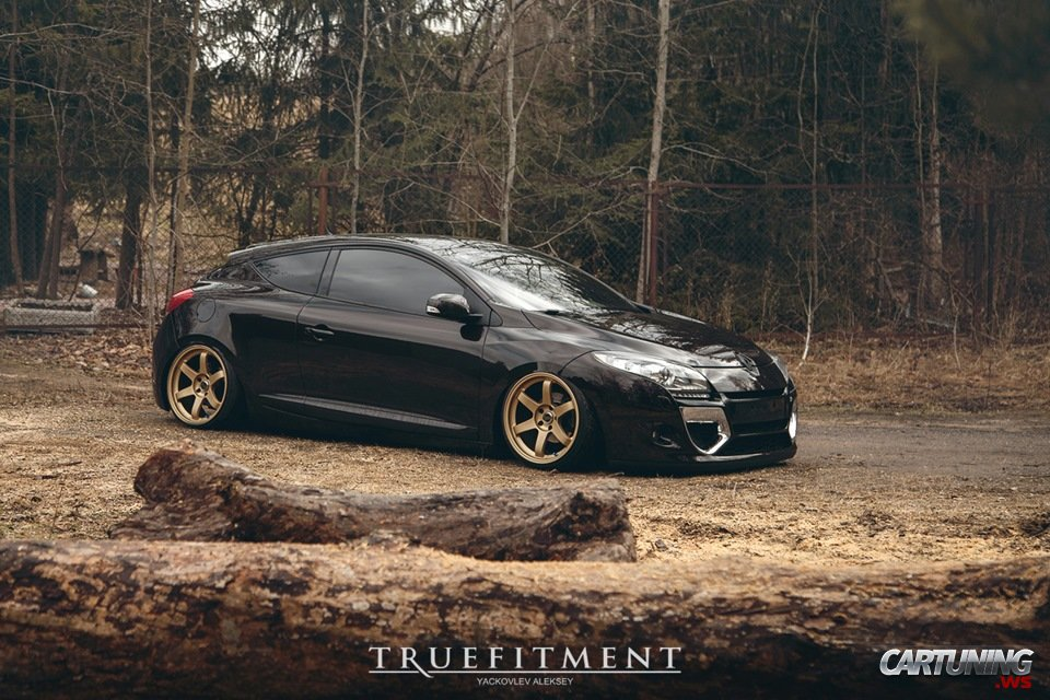 stanced renault megane coupe 2012. Black Bedroom Furniture Sets. Home Design Ideas