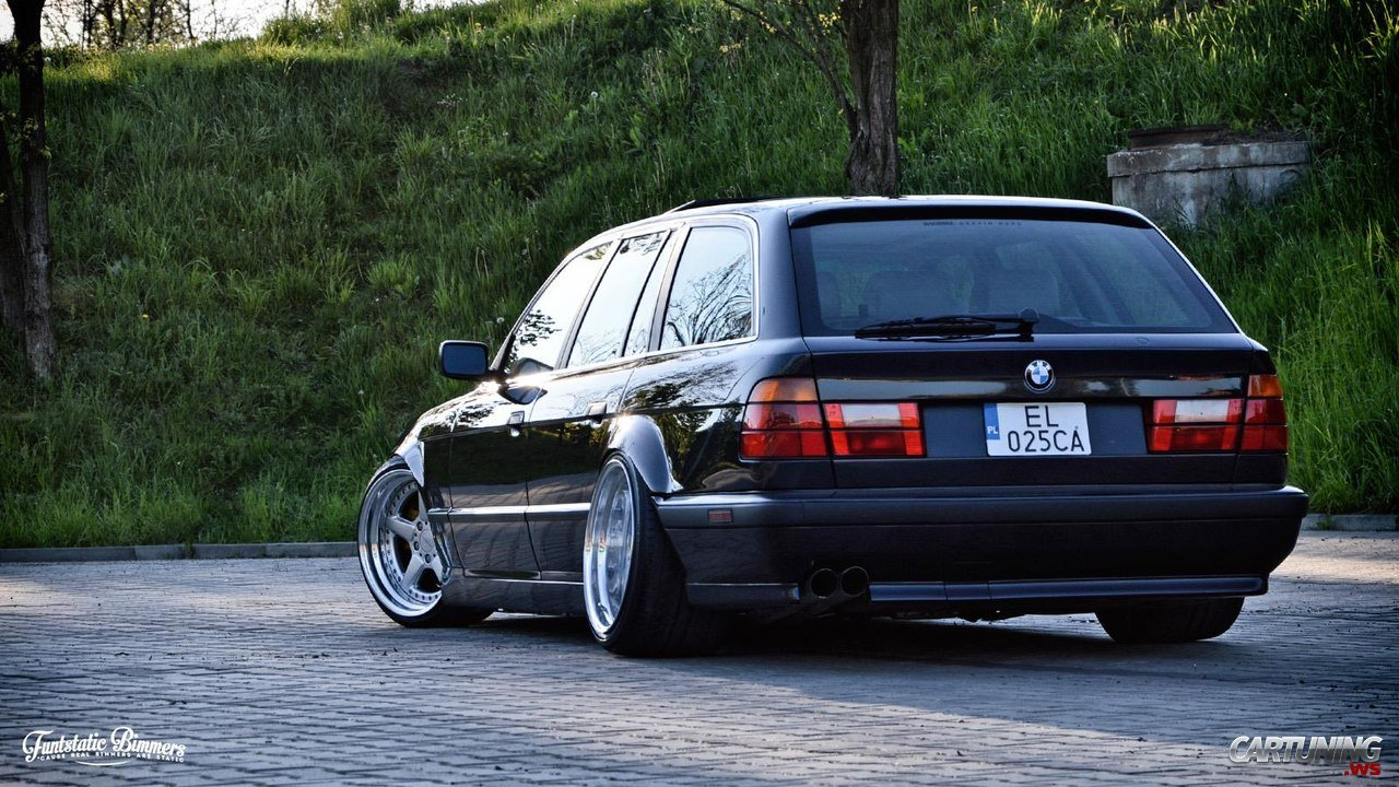 Volvo V70 Cabrio >> Stanced BMW 525i Touring E34, rear