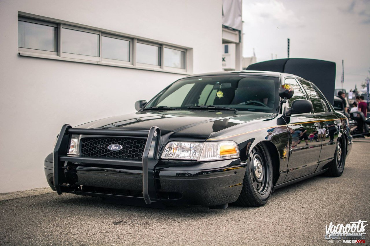 Ford Crown Victoria 2016 >> Low Ford Crown Victoria