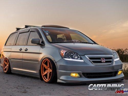Stanced Honda Odyssey
