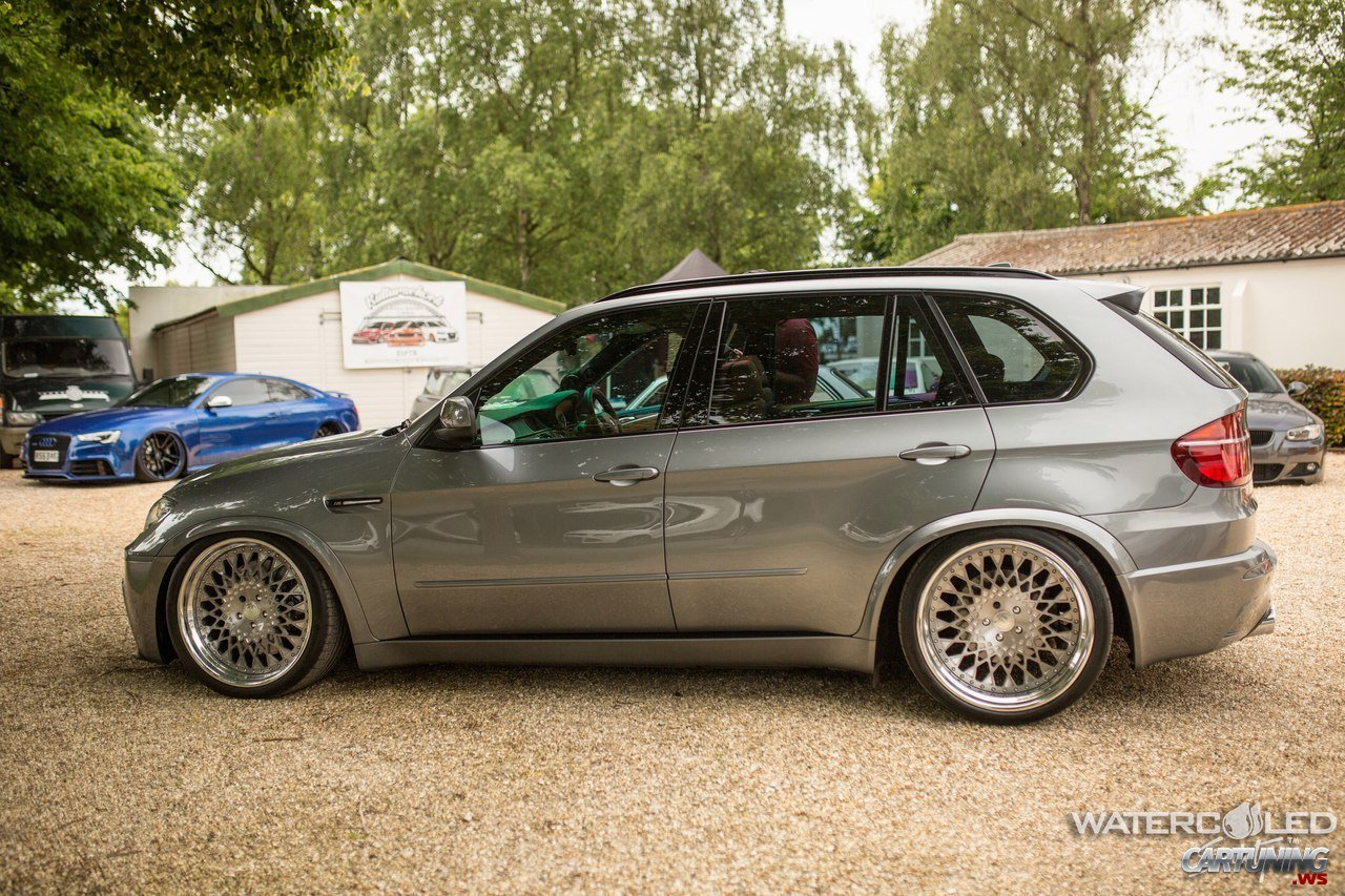 Stanced Bmw X5 E70 Left Side