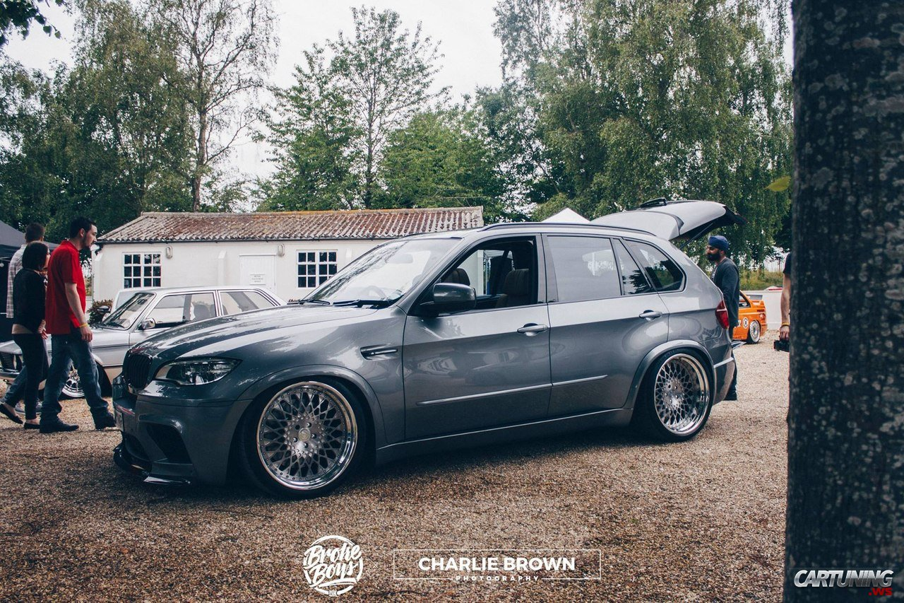 stanced bmw x5 e70. Black Bedroom Furniture Sets. Home Design Ideas