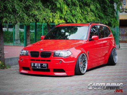 Stanced BMW X3 E83