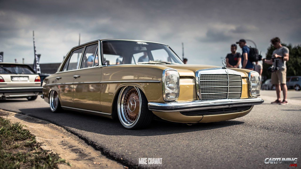 Low Mercedes Benz 230 4 W114 Front