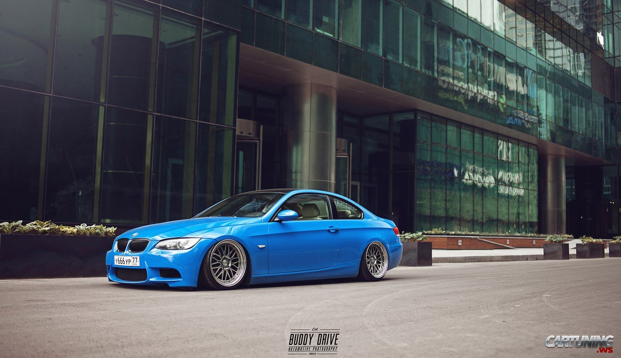 low bmw 325i e92 cartuning best car tuning photos from. Black Bedroom Furniture Sets. Home Design Ideas