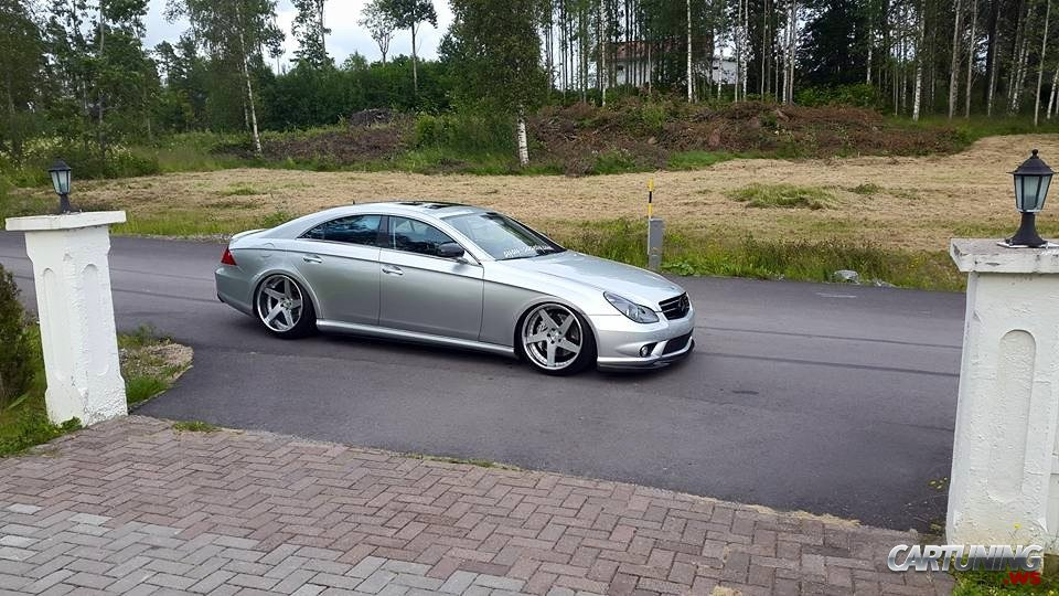 stanced mercedes benz cls 320 cdi c219 side. Black Bedroom Furniture Sets. Home Design Ideas