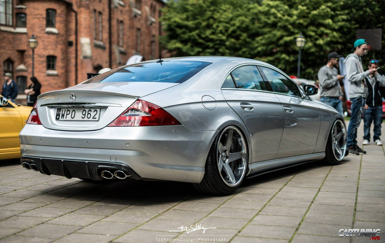 stanced mercedes benz cls 320 cdi c219 rear. Black Bedroom Furniture Sets. Home Design Ideas