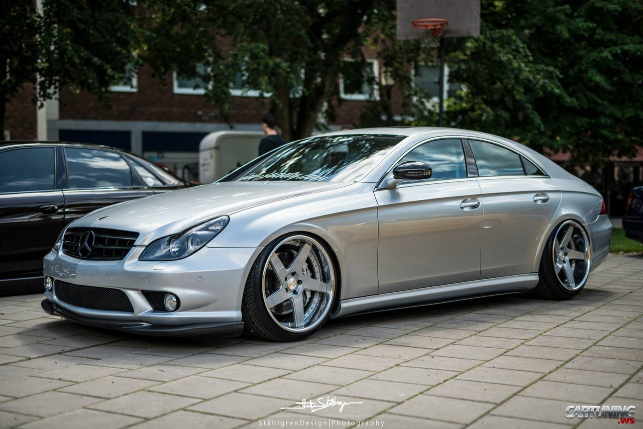 stanced mercedes benz cls 320 cdi c219