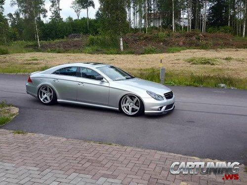 Stanced Mercedes-Benz CLS 320 CDI C219