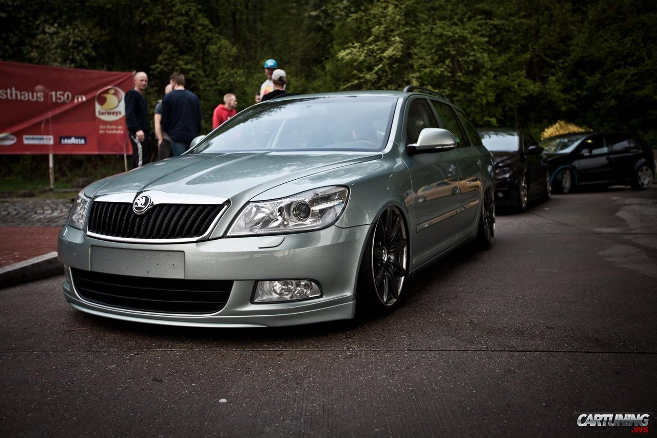 low skoda octavia combi a5 cartuning best car tuning. Black Bedroom Furniture Sets. Home Design Ideas
