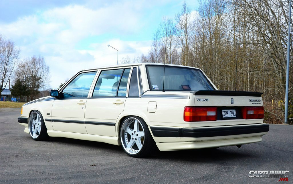 Volvo 740 Turbo stance rear