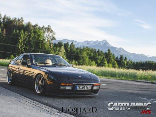 Stance Porsche 944 Turbo
