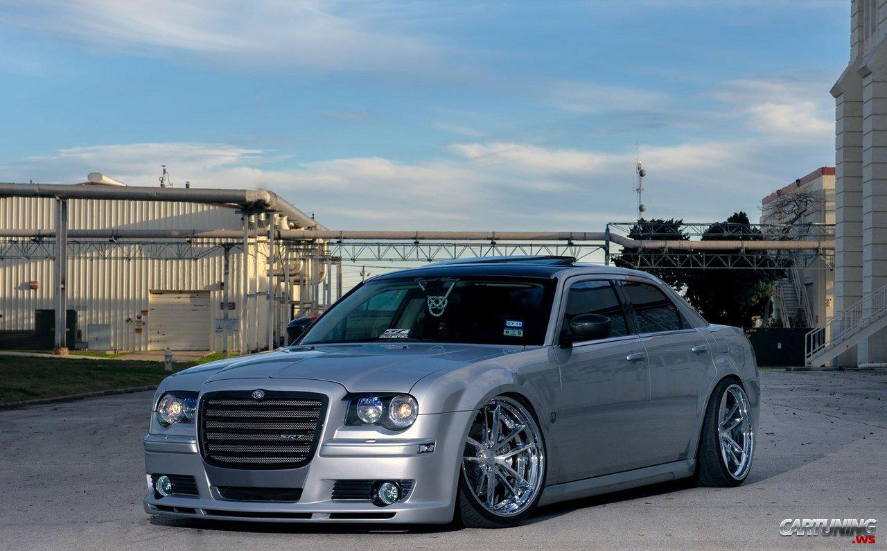 Stanced Chrysler 300c Front