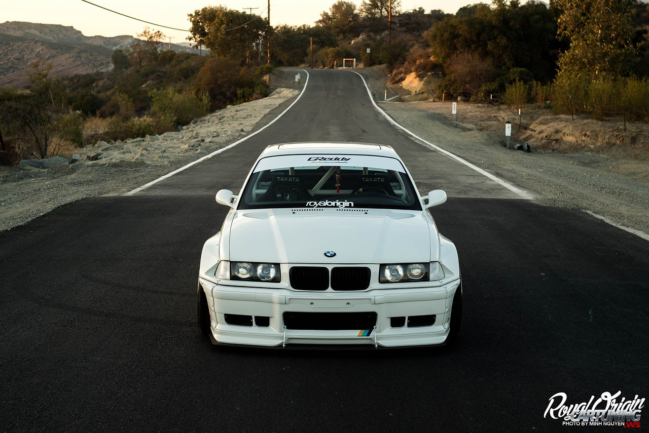 Stanced Bmw 325i Coupe E36 Widebody Front