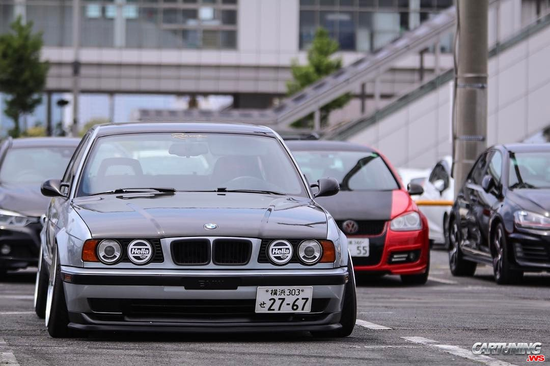 Stance Bmw 530i Touring E34 Front