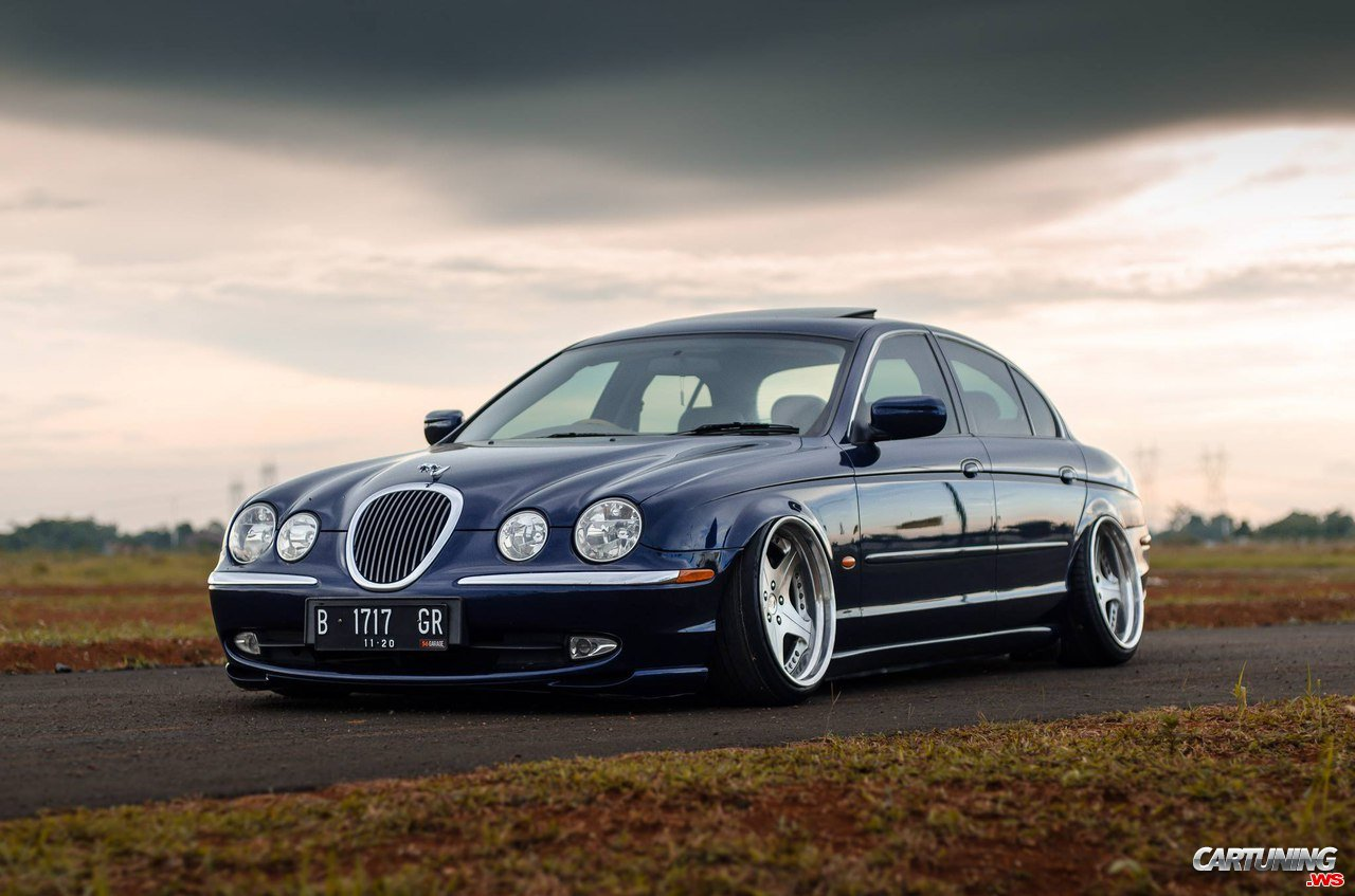 jaguar s type on air. Black Bedroom Furniture Sets. Home Design Ideas