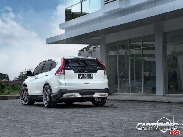 Stanced Honda CR-V 2015