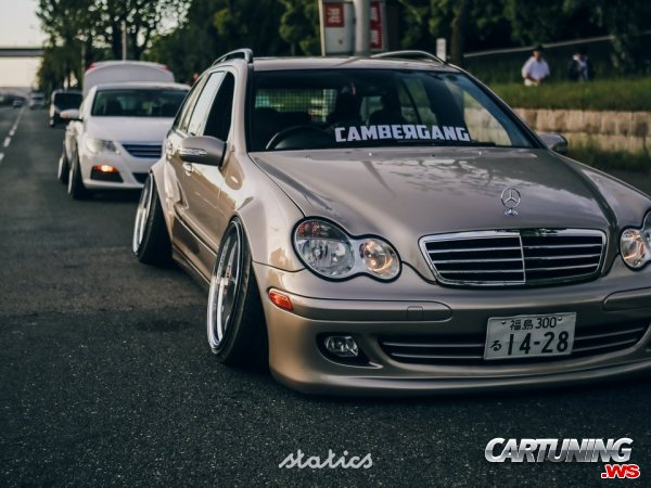 Mercedes-Benz C230 T203 Hellaflush