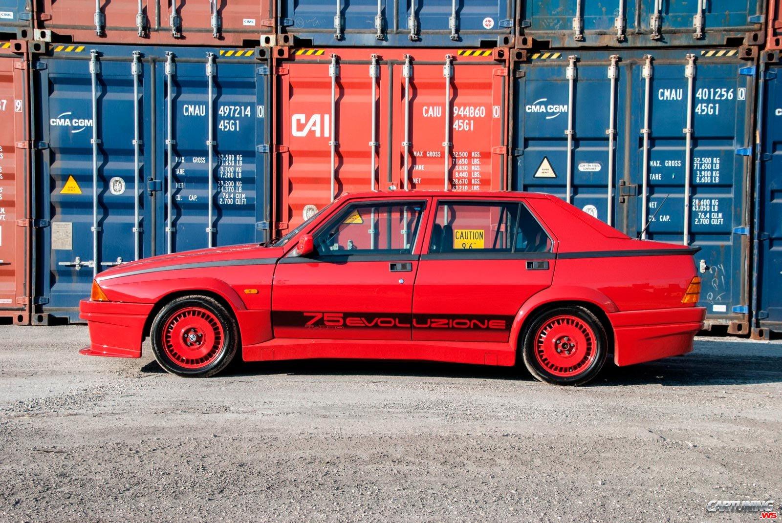 Alfa Romeo 75 Turbo Evoluzione Side