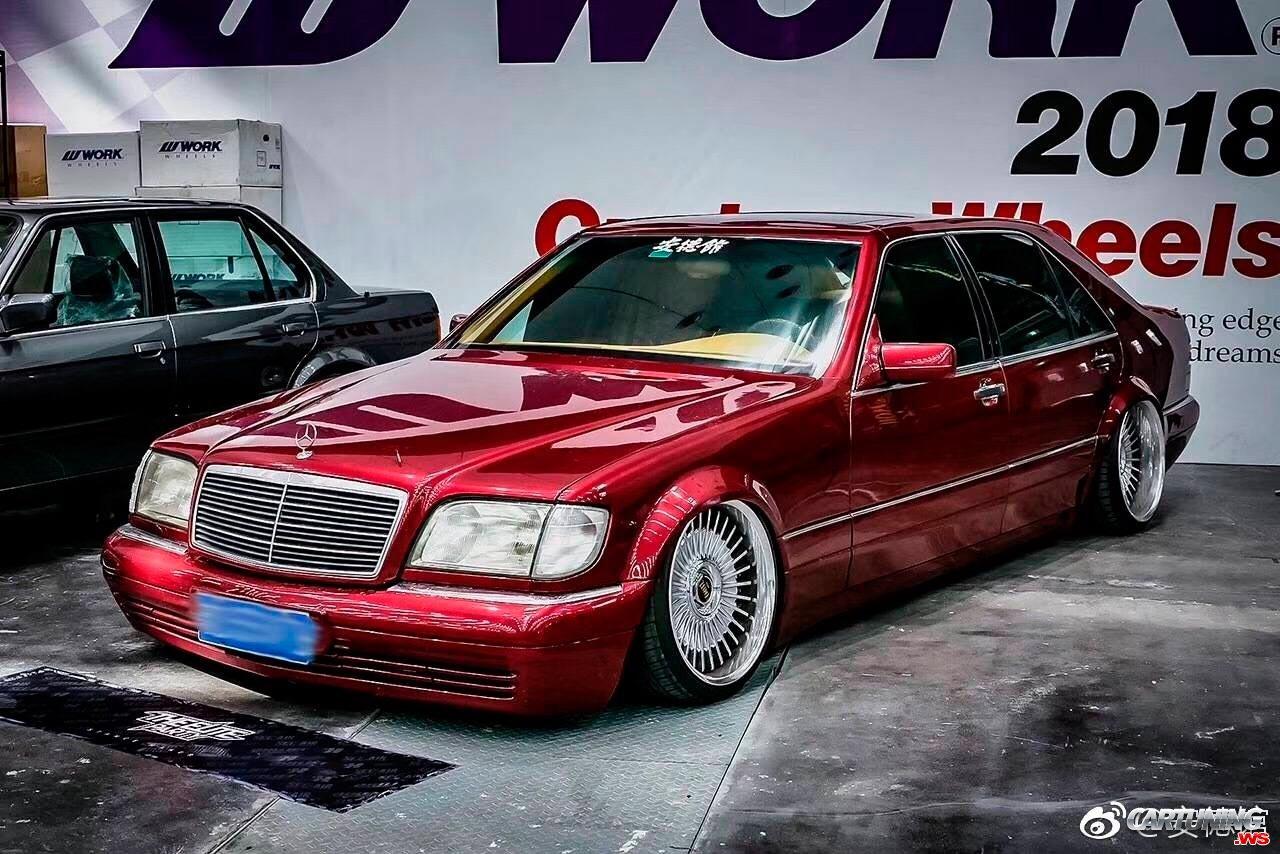 Slammed Mercedes-Benz S500 W140