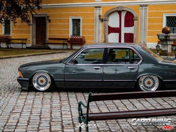 Tuning BMW 732i E23