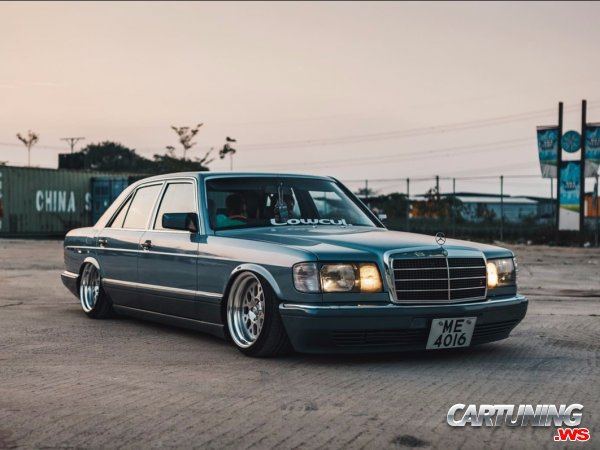 Mercedes-Benz 300SE W126 on Air