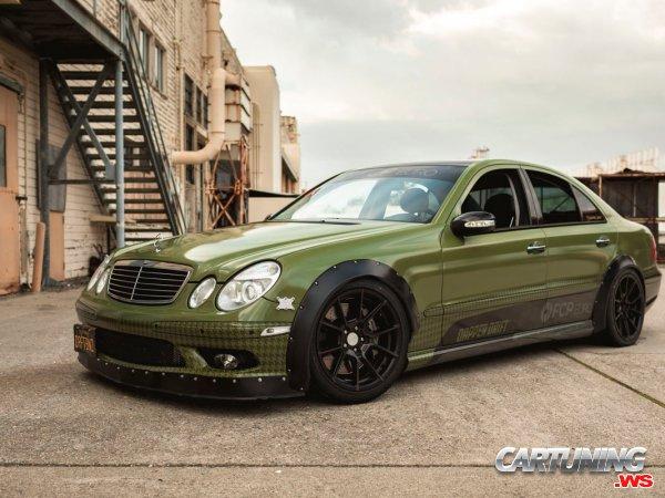 Mercedes-Benz E350 W211 for Drift