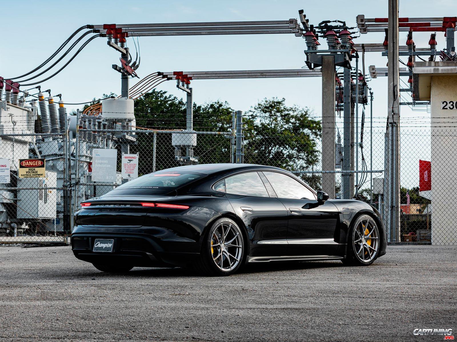 Tuning Porsche Taycan Rear